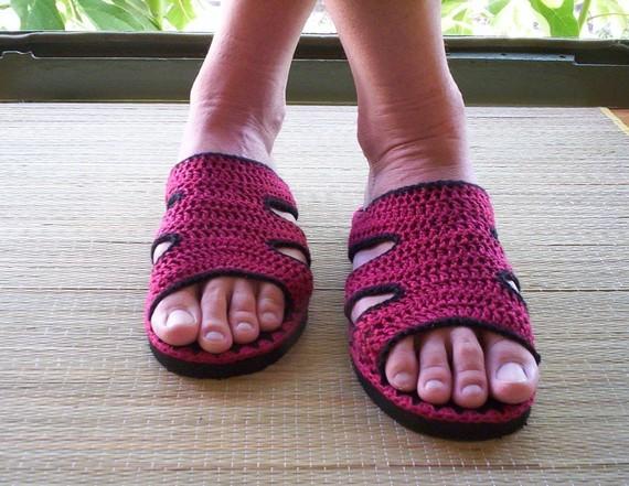 куплю вязаные носки. вязанные жилетки крючком схемы.